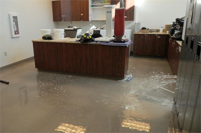 Vízbetörés következménye